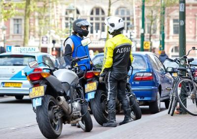 aanschaf motor rijbewsijs eerste 2 lessen gratis